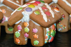 gingerbread-house-1101452_1280